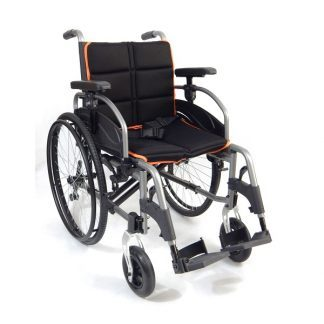Foldable wheelchair with aluminum frame - Adjustable backrest and centre of gravity
